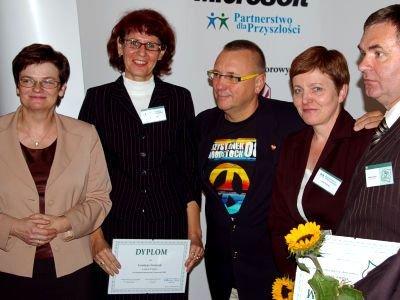 Na zdjęciu: Grażyna Graczyk (druga z lewej) i Teresa Prokowska (druga z prawej)