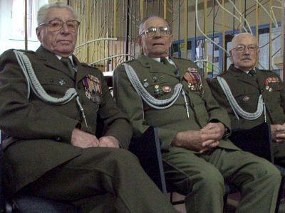 Od lewej: por. Stanisław Zarzycki, por. Władysław Hołub, płk Edwad Olkiewicz