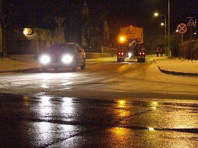 Droga przy komendzie policji była mokra, ulica Łasicka już jednak nie
