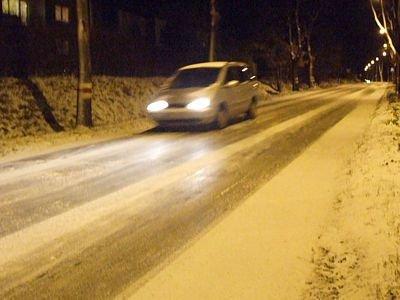 Droga wylotowa na Łaziska była śliska i niebezpieczna