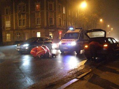 Samochód potrącił starszą kobietę na przejściu dla pieszych