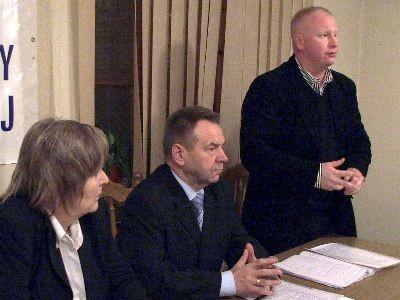 Od lewej: Halina Gniewek, Stanisław Chwojnicki i Adam Zdaniuk