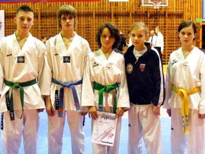 Od lewej: Adam Filipek, Kamil Serafin, Remigiusz Różnicki, Paulina Stojanowska i Patrycja Kopała