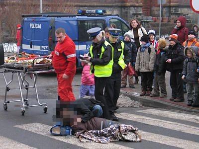 Do potrącenia doszło na przejściu przy szkole