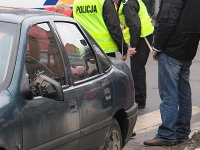 Kierowca zahaczył o chłopca lewym lusterkiem