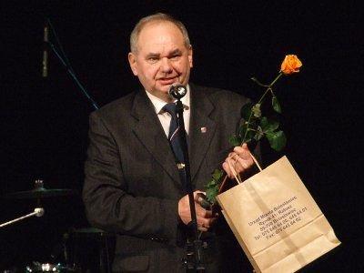 Zdzisław Mirecki jest właścicielem największej w Polsce kolekcji wizytówek