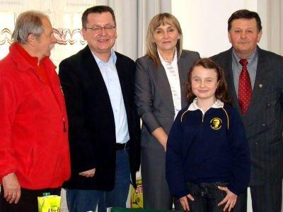 Dagmara Parchimowicz (druga z prawej), Beata Pawłowicz (trzecia z prawej) i Dariusz Kunaszko (drugi z lewej)