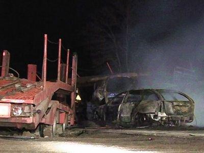 Wszystkie auta doszczętnie spłonęły