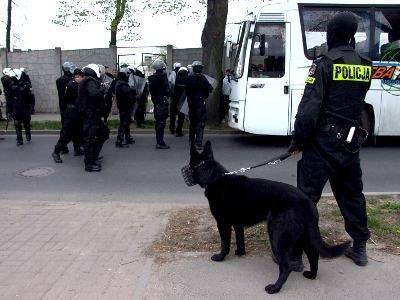 Policja pilnowała jeleniogórskich kibiców