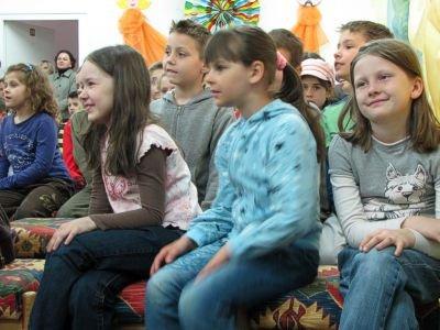 Dzieci świetnie bawiły się podczas spotkania z pisarką