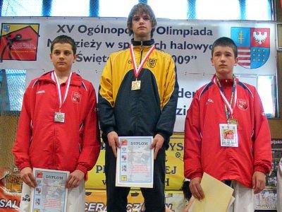 W środku: Kamil Serafin