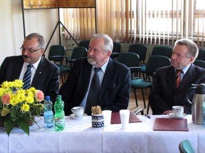 Od lewej: Cezary Przybylski, Karol Stasik i Stanisław Chwojnicki