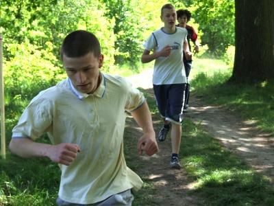 Młodzi ludzie mieli do pokonania dystans 1000 m