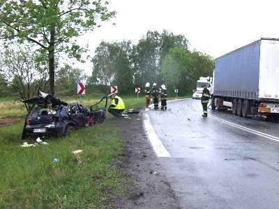 Do wypadku doszło na łuku drogi, między Zebrzydową a Czerną