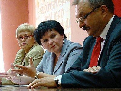 W środku: Janina Hulacka