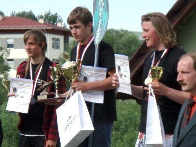 Drugi z lewej: Jakub Hankiewicz