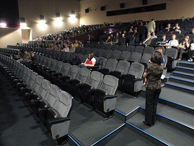 Na projekcję filmów przyszło około stu osób