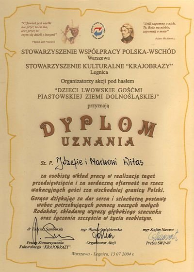 Dyplom uznania dla Józefy i Marka Witasów za pracę przy akcji