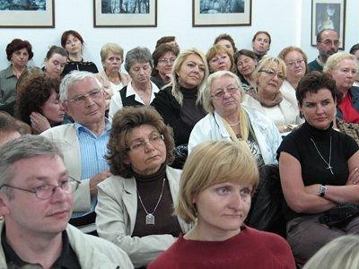 Słuchacze na spotkaniu z Manuelą Gretkowską
