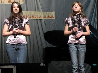 Galę uświetnił występ Roksany Walczak (po lewej) i Justyny Orłowskiej z grupy wokalnej MDK