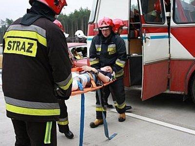 W pozorowanym wypadku zostało rannych 26 osób
