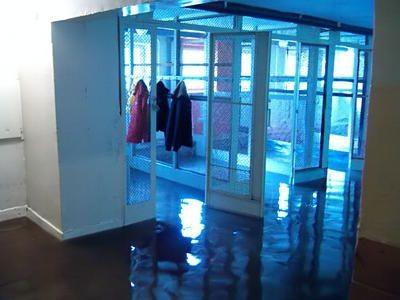 Woda w szatni w szkole przy ulicy Bielskiej miała wysokość 10 cm