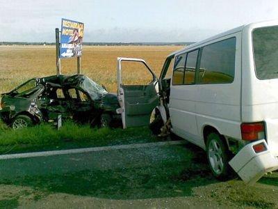 W wypadku zginął kierowca czarnej osobówki