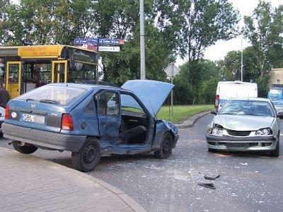 Toyota uderzyła w bok Opla