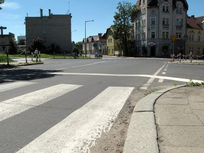 Linia bezwzględnego zatrzymania – stop może wprowadzać kierowców w błąd