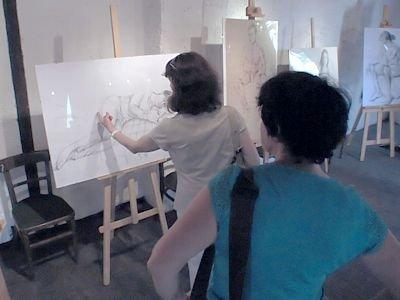 NIna Grugl na wystawie pokazała nie tylko akryle, ale także szkice i rysunki