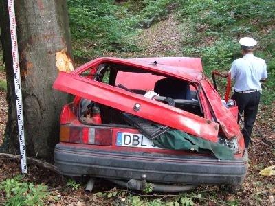W wypadku zginęła starsza kobieta - pasażerka Forda