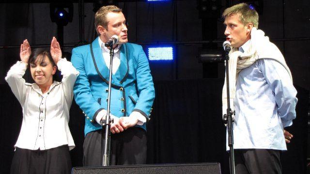 W piątkowy wieczór bolesławiecką publiczność zabawiał kabaret Nowaki