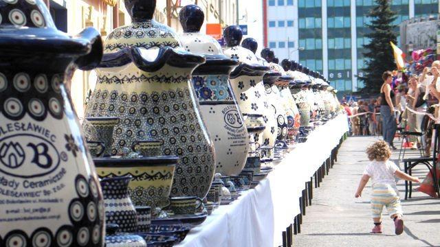 Spektakularnym wydarzeniem był też stół ceramiczny oraz bicie rekordu Guinnessa