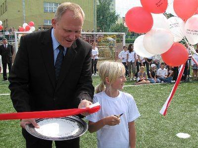 Przecięcia wstęgi dokonał m.in. Rafał Jurkowlaniec