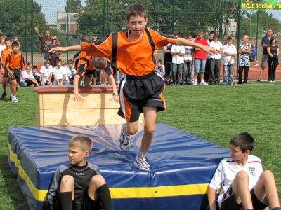 Po przemówieniach odbył się pokaz umiejętności sportowych uczniów MZS nr 2