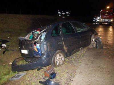Kierowca samochodu prawdopodobnie zasnął za kierownicą