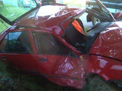 Kierowca samochodu zginął na miejscu