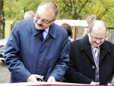 Od lewej: Cezary Przybylski i Zdzisław Średniawski