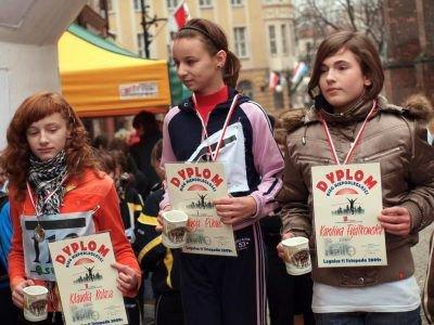 Pierwsza z prawej: Karolina Fijałkowska