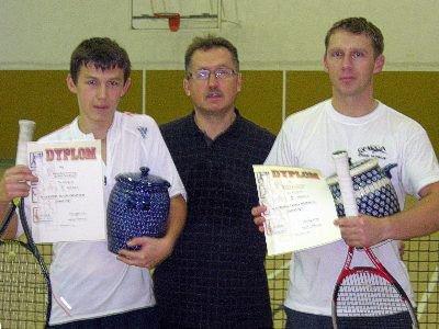 Mirosław Sakowski i zwycięzcy turnieju