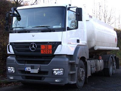 Kierowca Mercedesa został ukarany mandatem w wysokości 300 zł