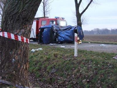 Kierowca auta zginął na miejscu