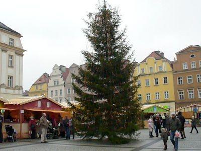 Kiermasz bożonarodzeniowy na bolesławieckim rynku potrwa do niedzieli