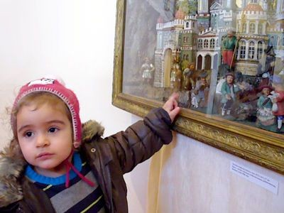 Nawet najmłodszy uczestnik wycieczki był zainteresowany zwiedzaniem