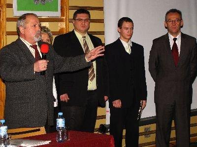 Konkurs zainaugurował prezes BTG Karol Stasik (pierwszy z lewej)