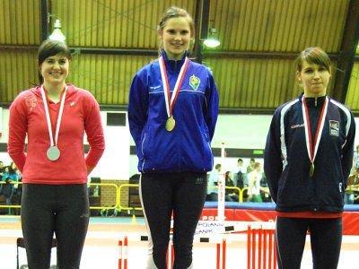 Katarzyna Romaszko (pierwsza z lewej) wywalczyła srebro w skoku w dal