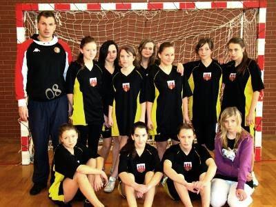 Reprezentacja dziewcząt z Gimnazjum nr 2 zajęła miejsce drugie