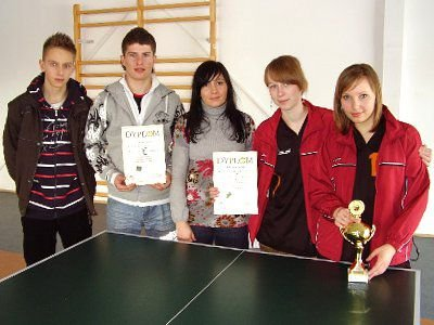 Ekipa chłopców i dziewcząt z Nowogrodźca
