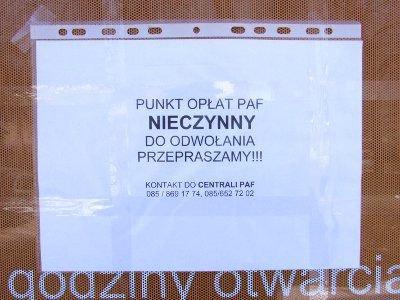 Na drzwiach punktu PAF w Bolesławcu jest karka z informacją, że punkt jest nieczynny do odwołania