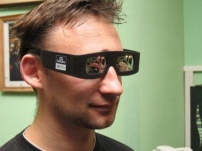 Tak wyglądają okulary do oglądania filmów 3D. Zastosowana technologia zapewnia bardzo dobrą jakość obrazu i jego kolorystykę.